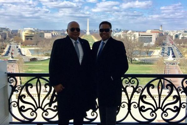 [amvets-hawaii.org][831]Photo-of-AmVets-Hawaii-Commander-Donovan-A.-Lazarus-and-Special-Agent-David-E.-Lazarus-on-Capitol-Hill-600x600